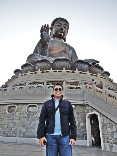 Photo with Tian Tan Buddha Statue