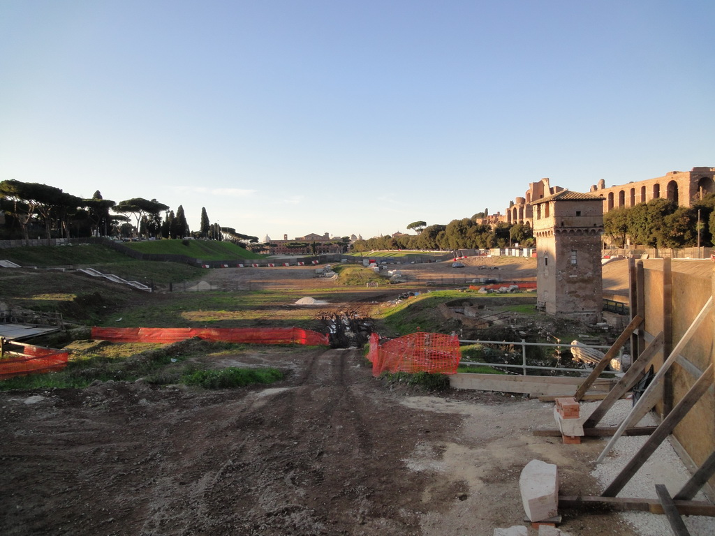 the remains of circus maximus Circus maximus in rome the roman circus was the venue for horse and chariot racing, religious ceremonies, public feasts and athletics, similar to the ancient greek hippodrome along with theaters and amphitheaters, circuses were one of the main entertainment sites of the time.
