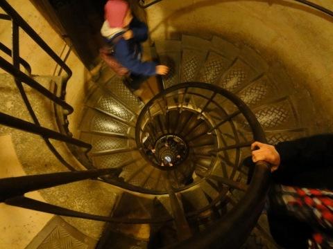 Climbing Arc de Triomphe