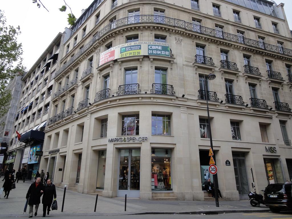 Paris day 2 imran jaafar for Adresse mark and spencer paris