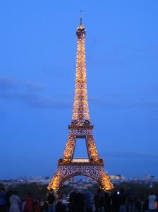 Eiffel Tower light up