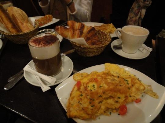 Breakfast at Les Artisans