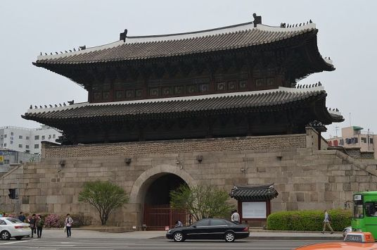 Heunginjimun Gate (photo from Wikipedia)