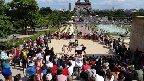 Street performance at Trocadero