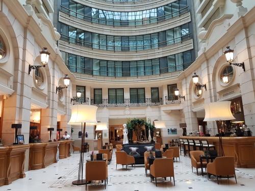 Lobby of Marriott Champs-Élysées