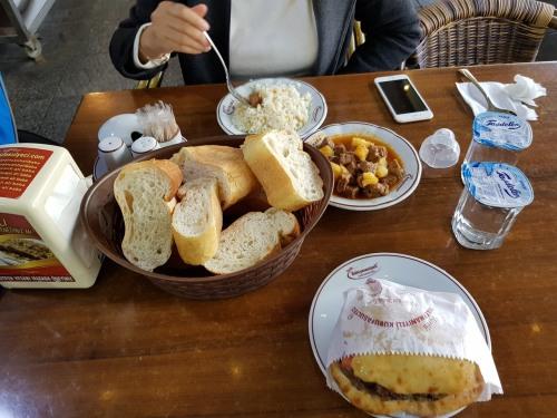 Lunch outside Süleymaniye Mosque