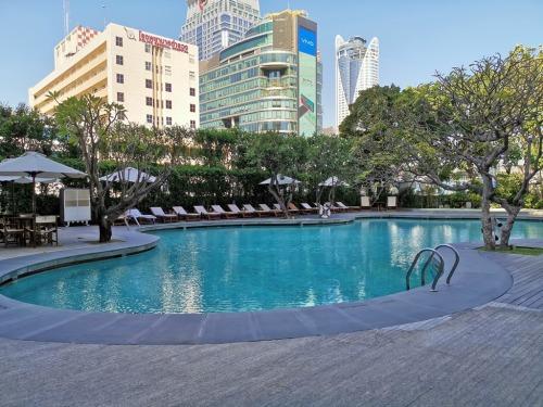 Grand Hyatt Erawan Bangkok swimming pool
